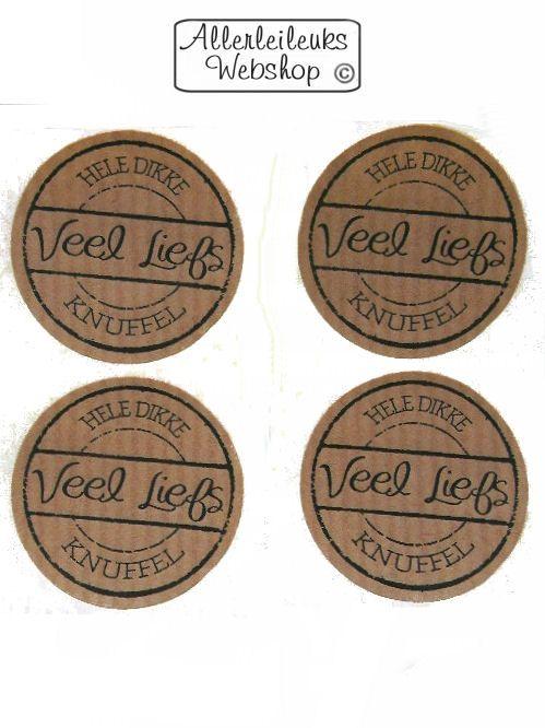 Kraft stickers rond met tekst dikke knuffel veel liefs 4 stuks 35mm