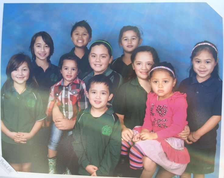 Oku tai tamariki ki Te Kura o Owhatiura (Family photo at Lynmore Primary!)