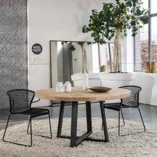 La table ronde Pampelonne: contemporaine et conviviale. #table #inspiration
