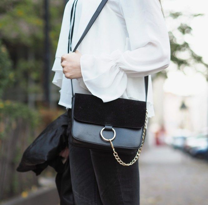 PINK PEPPER PARADISE blog - Ruffled collar blouse and leather jacket - black chain Fraye style bag