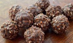 Σοκολατάκια Ferrero Rocher με 4 μόνο υλικά