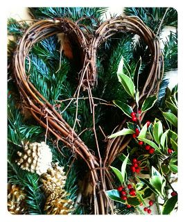 Modern Mummy: Make Your Own Christmas Wreath / Willow Heart
