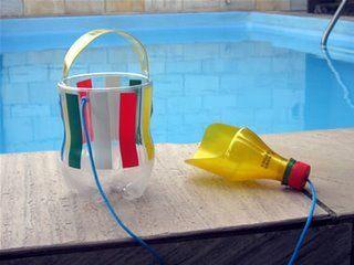 Juguetes reciclados: Esta palita con su cubeta para playa está súper para hacerla con los niños.