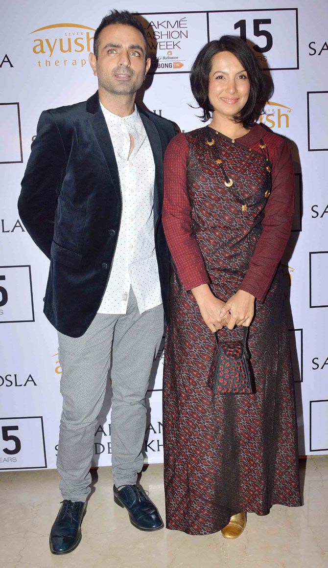 Shraddha Nigam with husband Mayank Anand at Lakme Fashion Week Winter/Festive 2015 opening show. #Bollywood #LFW2015 #Fashion #Style #Beauty