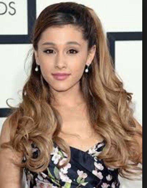 My fav celebrity - Ariana Grande      AL