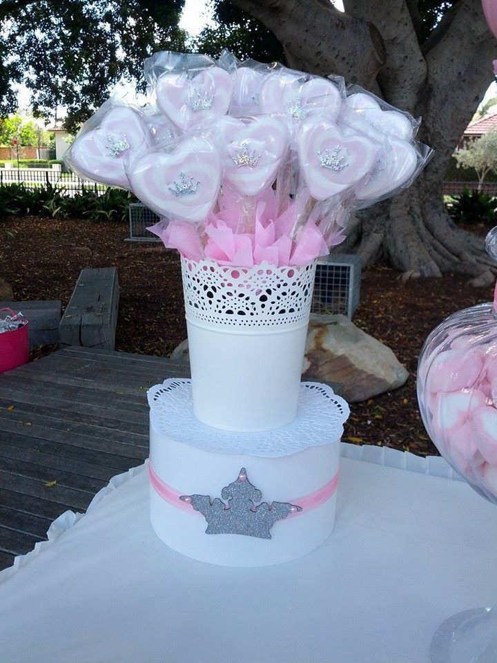 Heart shaped marshmallows.. Perfect on a lolly buffet for a princess party www.kidspartycompany.com.au #princesspartyideas