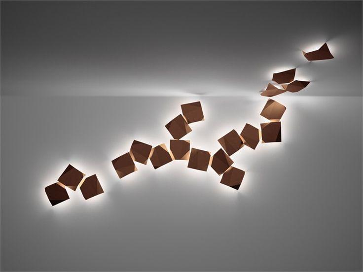 Applique in policarbonato ORIGAMI by Vibia | design Ramón Esteve