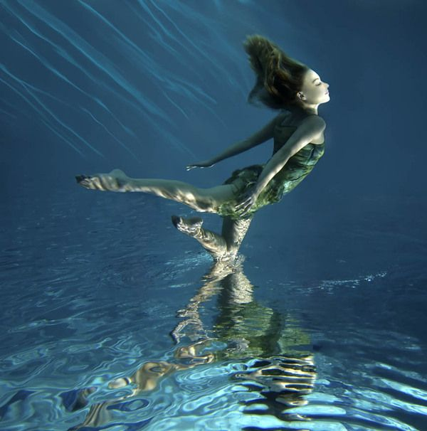 Mark Mawson. Underwater Photography Art. upside down. dreaming.
