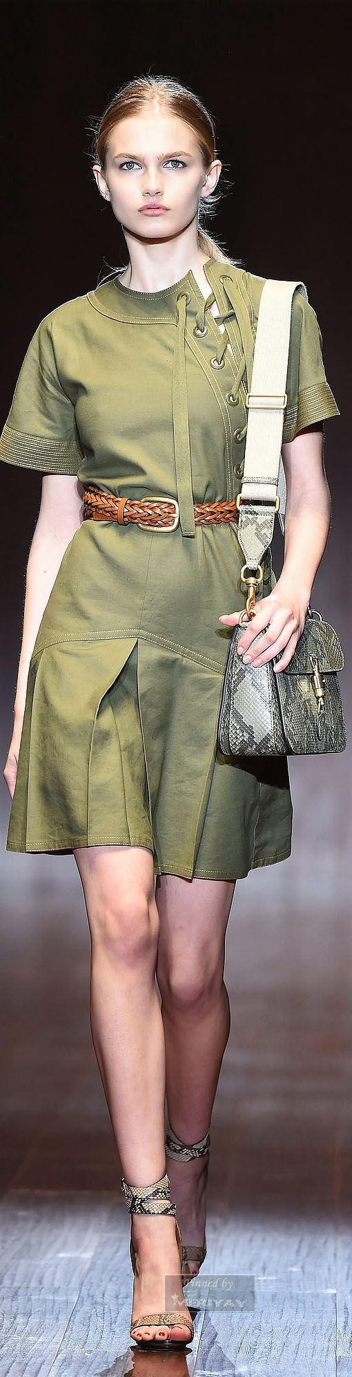 Gucci.Spring-summer 2015. - had tailor make me a top only in navy blue linen for 200 RMB (34 USD)