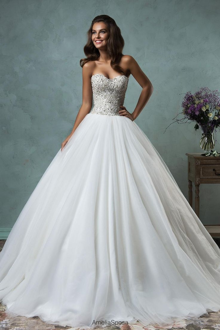 Unique Amelia Sposa Crystals Wedding Dresses Sweetheart Beaded Organza Ball Gown Bridal Gowns with Chapel Train and Open Back Custom Made