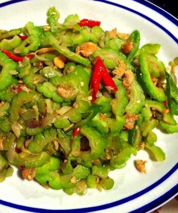 Bingung Masak Pare Diolah Jadi Apa Nih Cobain Deh Resep Simpel Dan Mudah Oseng Pare Ala Chinese Food Dijamin Bakalan Tambah N Malay Food Food Food Receipes