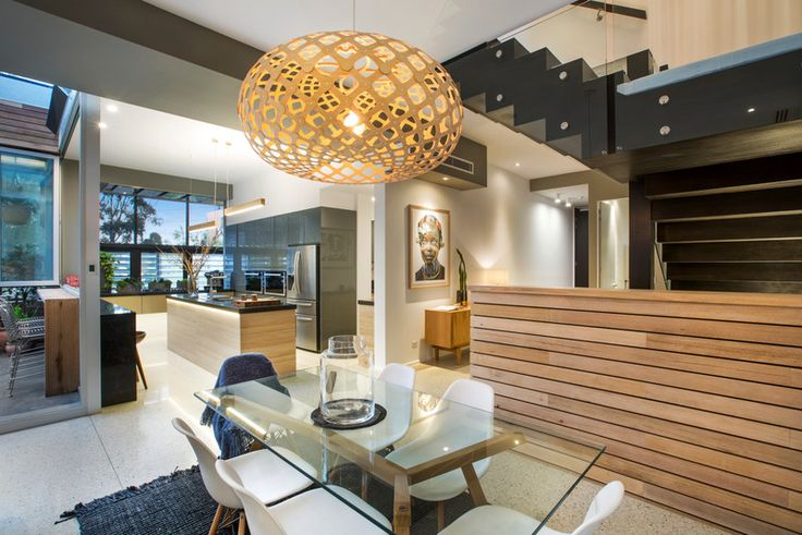Viewing this apartment you could see how much fabulous entertaining could be had here. Indoor & outdoor bars & seating off the kitchen.  Plus dining area & excellent outdoor table on the terrace.