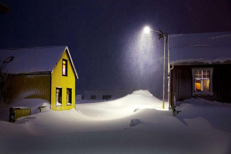 The Yellow House - Christophe Jacrot - Bilder, Fotografie, Foto Kunst online bei LUMAS