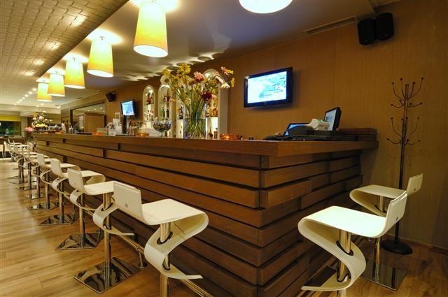 Bar, Royal Heights Resort Villas & Spa