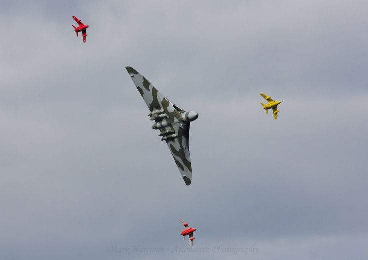Gnats in formation with Vulcan.
