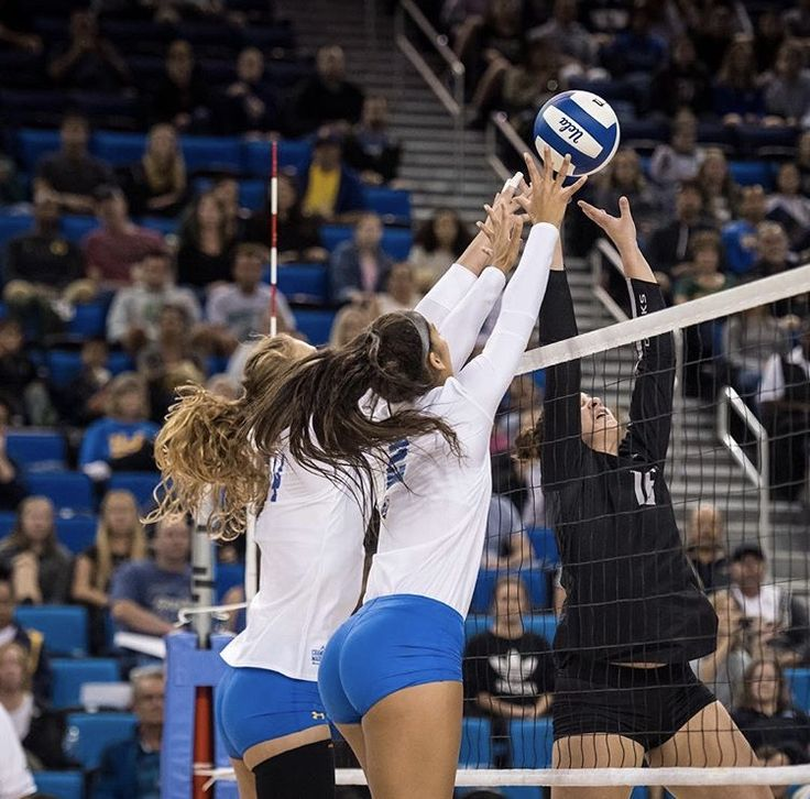 Pin By Emma On Woman Women Volleyball Female Volleyball Players Volleyball Photography