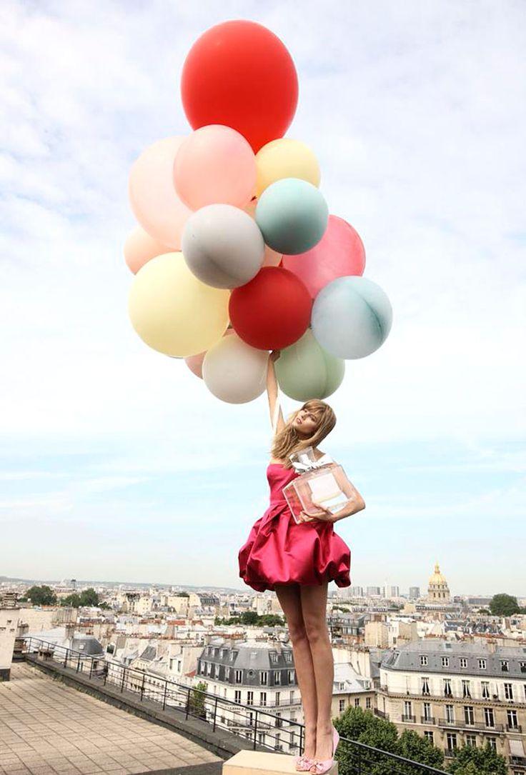 Las fragancias iconicas de las casas de moda / Campaña publicitaria de la fragancia Miss Dior de la firma #ChristianDior