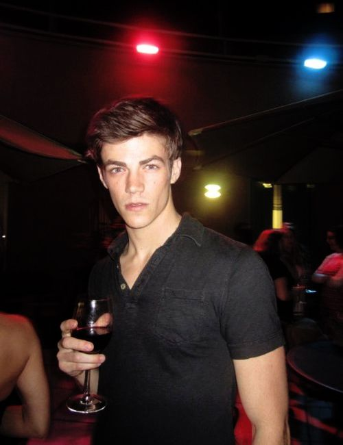 Grant Gustin... Oh to be that wine glass! <3