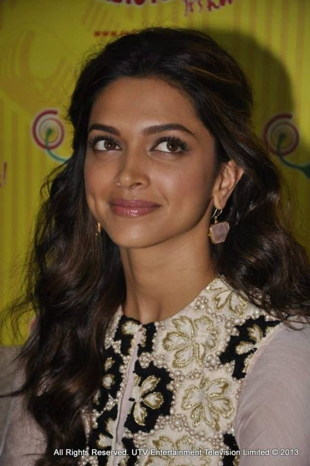 Deepika Padukone at a promotional event for her film 'Ram-Leela'. #Bollywood #Fashion #Style #Beauty
