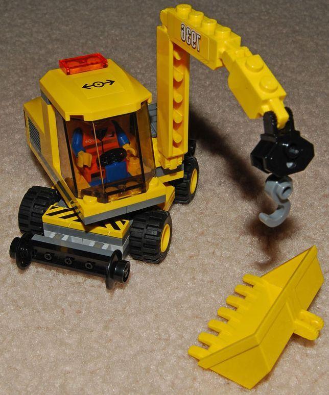 Lego-ibrickcity-City-7936–Level-Crossing-