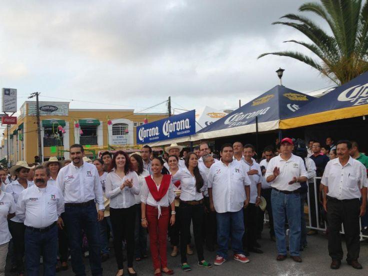 Con los lideres , Juan Carlos Ríos, Roy Gomez Jassive Maciel, Sofia Bautista, Abel Isiordia.