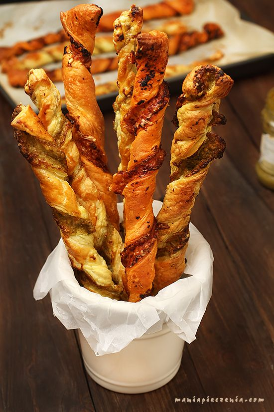 paluszki z pesto, francuskie paluszki z pesto, paluszki z serem, spiralki z pesto, puff pastry pesto twists,