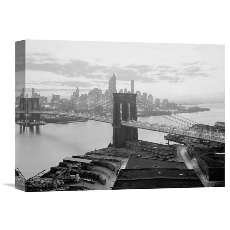 Global Gallery Brooklyn Bridge and Lower Manhattan Skyline Horizontal Wall Art - GCS-456543-3040-142