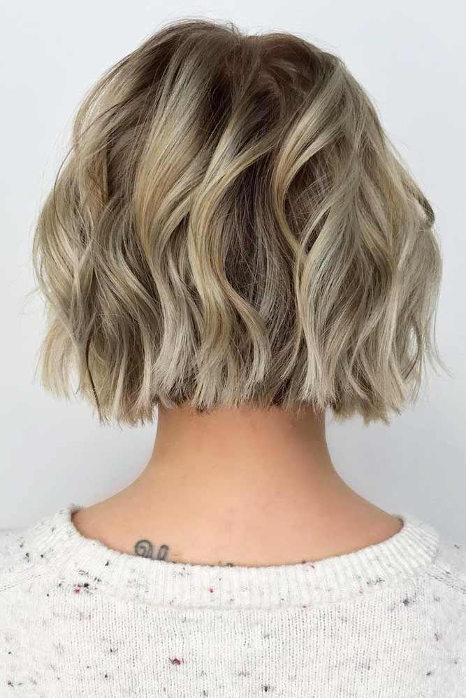 Short Bob Haircut For Wavy Hair #shortbobhairstyles #bobhairstyles #hairstyles #wavyhair