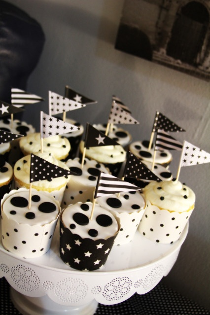 Black And Party Gift White Ideas 3