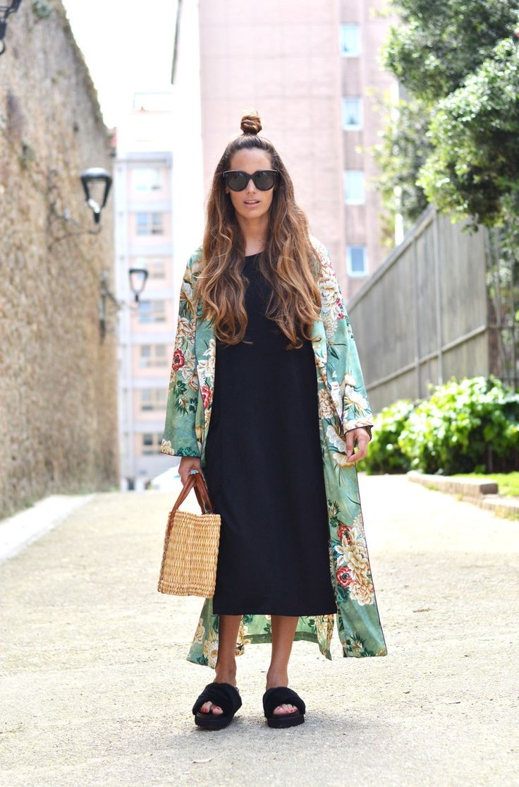 dress: Zara ( last season ), kimono: Zara ( this season ), sandals: Bershka ( this season ), bag: old