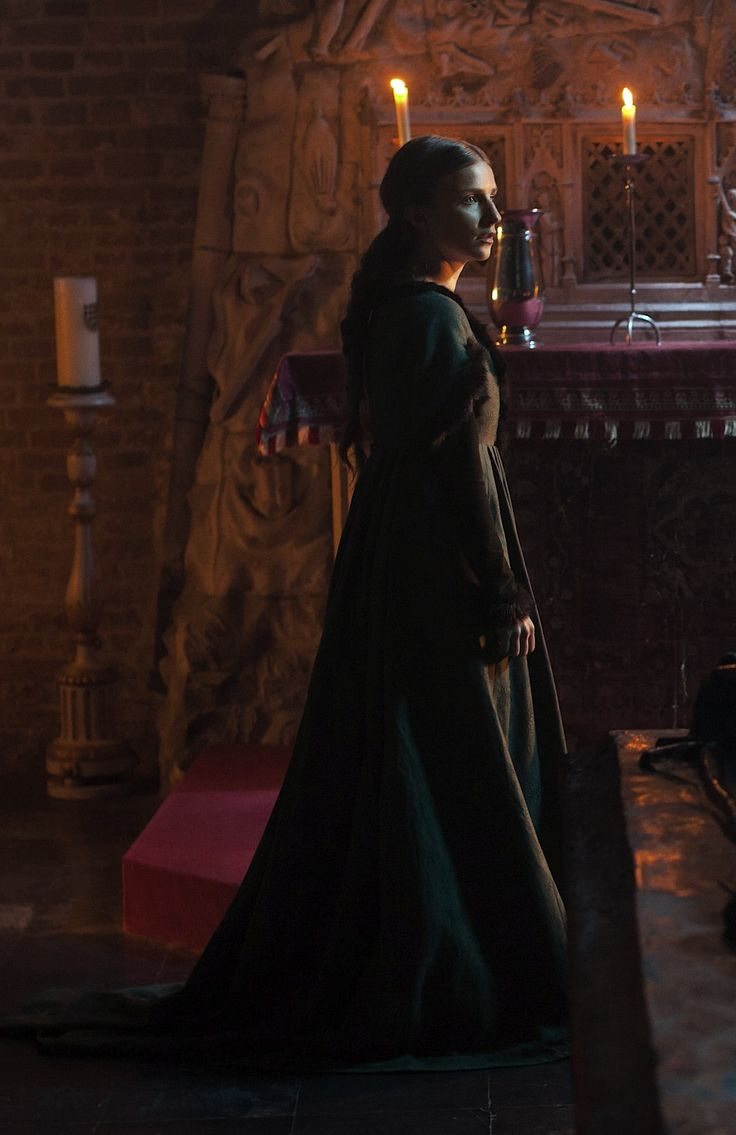 Faye Marsay as Anne Neville in The White Queen - 2013