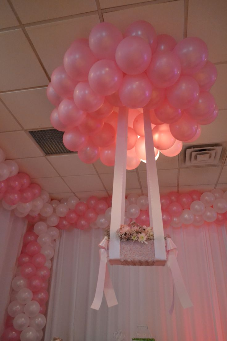 Pink ans white balloon decoration