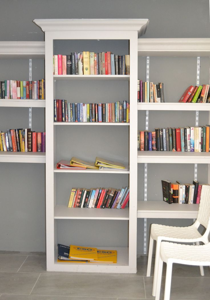 Diy Bookshelf Wall