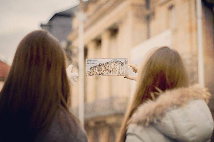 Das Opernhaus zum genießen   Der Weltladen Bayreuth feiert in diesem Jahr 35. Geburtstag.  Als Geschenk an euch gibt es ein leckeres und vor allem faires Schoko-Duo im Weltladen in der Ludwigstraße zu kaufen.  Das Aquarell auf der Banderole ist übrigens von der Bayreuther Malerin und Grafikerin Christel Gollner und zeigt das UNESCO Welterbe Markgräfliches Opernhaus.  Wir wünschen alles Gute  . . . . . #bayreuth #visitbayreuth #bayreuthshopping #weltladen #fairerhandel #schokolade #chocolate…