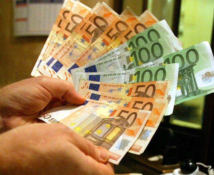 Donazione di denaro tra parenti, attenzione al redditometro. Ecco come tutelarsi - http://www.sostenitori.info/donazione-di-denaro-tra-parenti-attenzione-al-redditometro-ecco-come-tutelarsi/226502