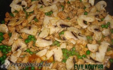 Borsós-gombás csirkemell recept fotóval