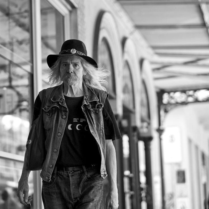 https://flic.kr/p/CxSg6R   'Street life newhood'   X-T1 North Melbourne walk