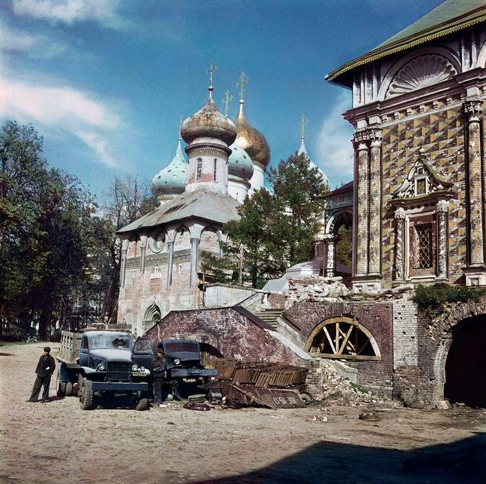 Robert Capa 1947 Sergiyev Posad