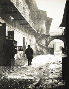 Entrance to the Old Ghetto, Kraków, from the series Polish Jews, 1937 by Roman Vishniac