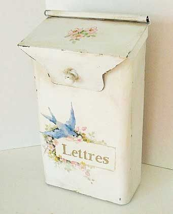 what a cute letter box