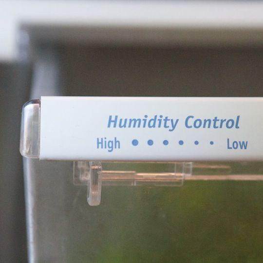 The Proper Way To Use Your Refrigerator Humidity Drawers #goodtoknow