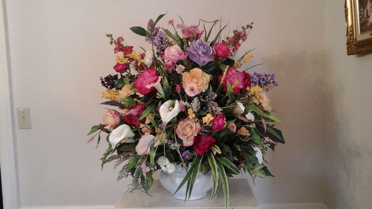 1000 ideas about large floral arrangements on pinterest for Foyer flower arrangement
