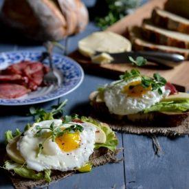Breakfast Sandwiches [peachesncreamblog]