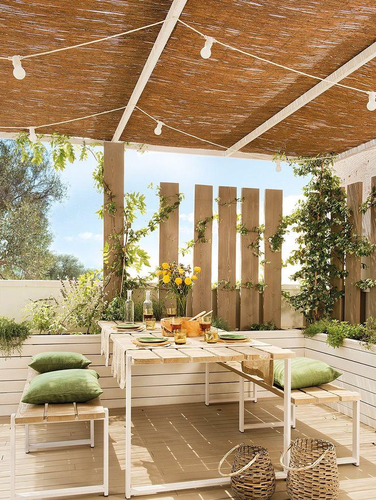 Interesante para aportar privacidad, sin cortes, a la zona comedor/salon exterior respecto al jardín (y zona común pasante)
