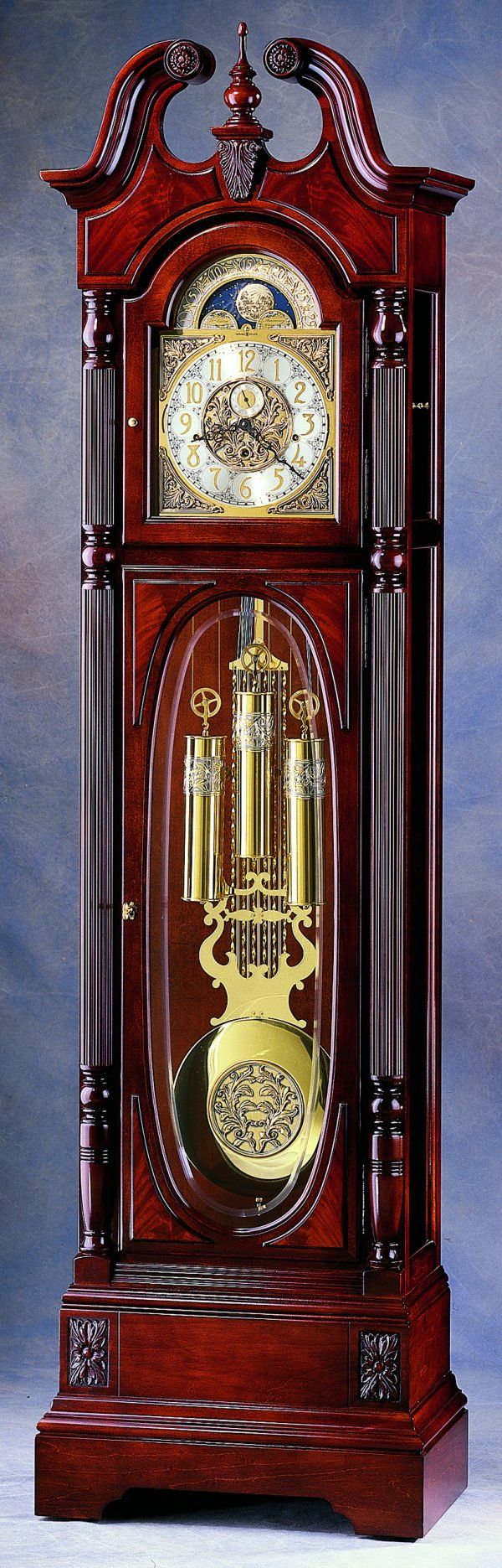 staande klok, stond in het huis van Daan waar zijn vader altijd aan sleutelde en op het laatste zetten hij de tijd nog even goed