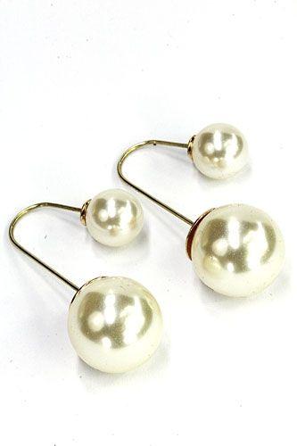Pearl Double Earrings, dubbele parel oorbellen, de nieuwste fashion trend by Noa's Sieraden. Eenvoudig online uitzoeken en bestellen. Ibiza Style tassen, dubbele oorbellen, Rahki zijden wikkelarmbanden... -