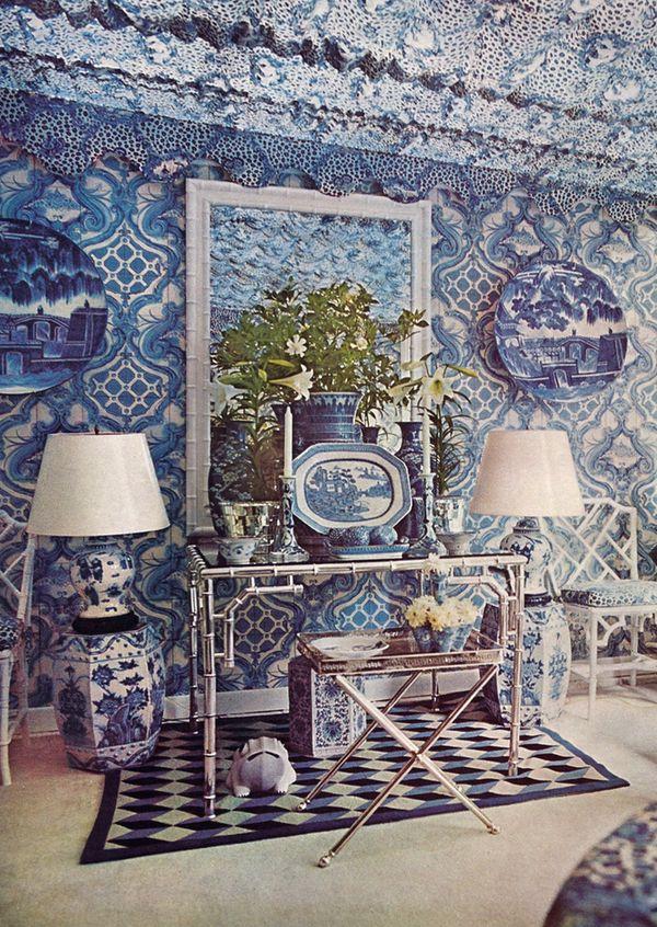10 best blue white vase urn jar arrangement images on for Garden design 1970s