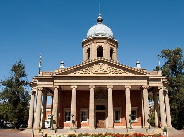 Fourth Raadsaal, home to the Free State Provincial Legislature is an impressively well-designed classical structure. #architecture #southafrica #daytour