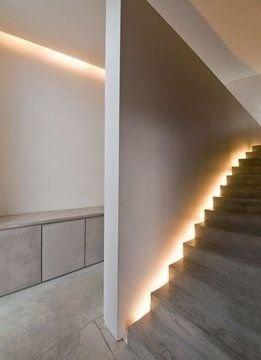 Escalier lumineux                                                                                                                                                                                 Plus