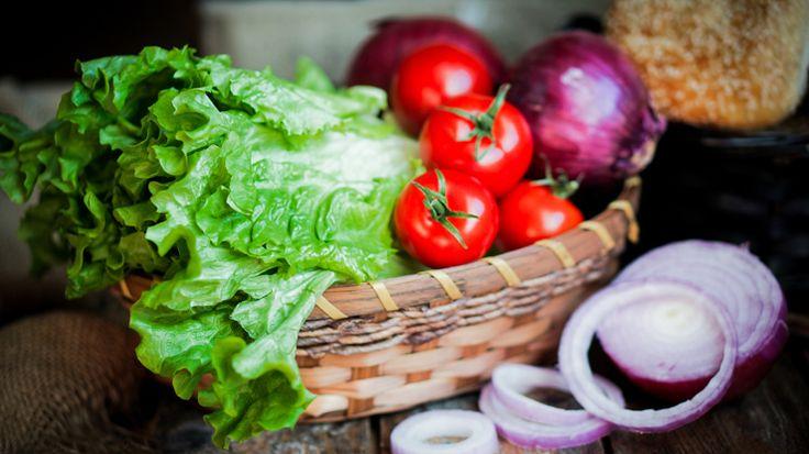 5 cose da non fare quando si prepara l'insalatona perfetta